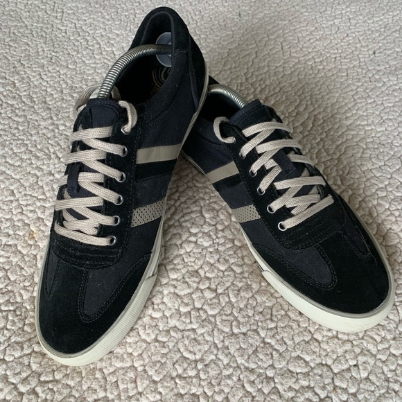 Skechers Other - Skechers Relaxed Fit Casual Sneakers Seldom Worn